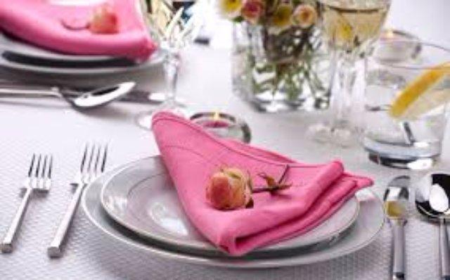 Cервировка стола скатерть и салфетки