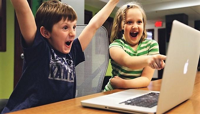 Учителей и родителей научат распознавать интернет-зависимость у детей
