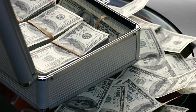 Госслужащих предложили увольнять за вклады в иностранных банках