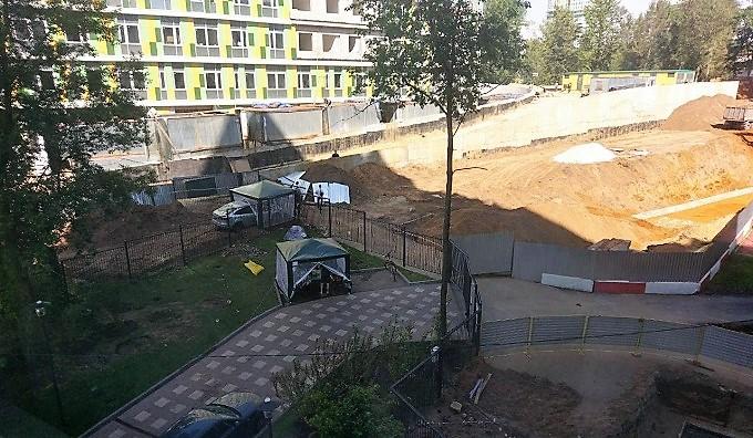 У москвичей выбивают почву из-под ног