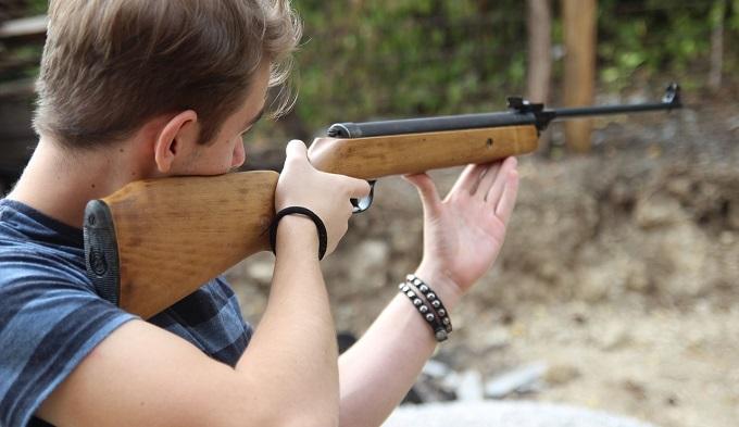 «Ивантеевский стрелок» получил оружие в подарок от родителей