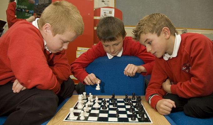 Шахматы - в каждую школу?