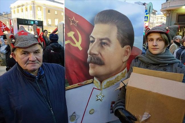 Что соцопросы говорят о россиянах