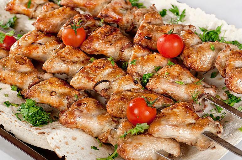 Вкусный шашлык из куриной голени