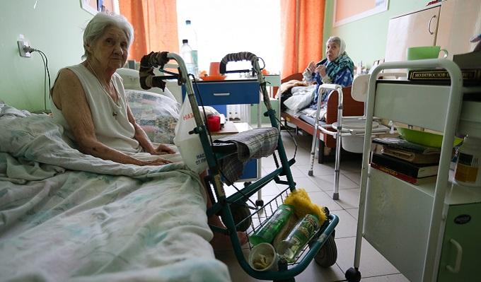 Пожилых без пенсий – в дома престарелых?