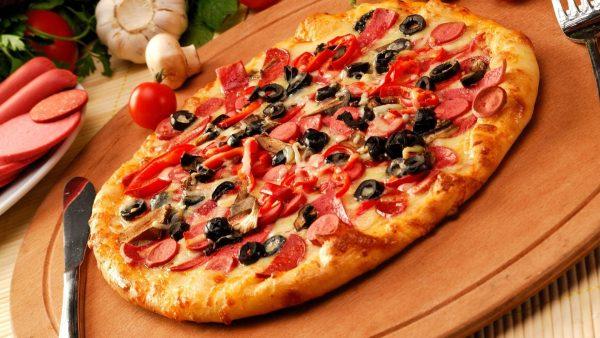 Служба доставки пиццы в Харькове