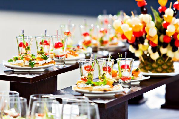 Преимущества фуршета в мире ресторанного обслуживания