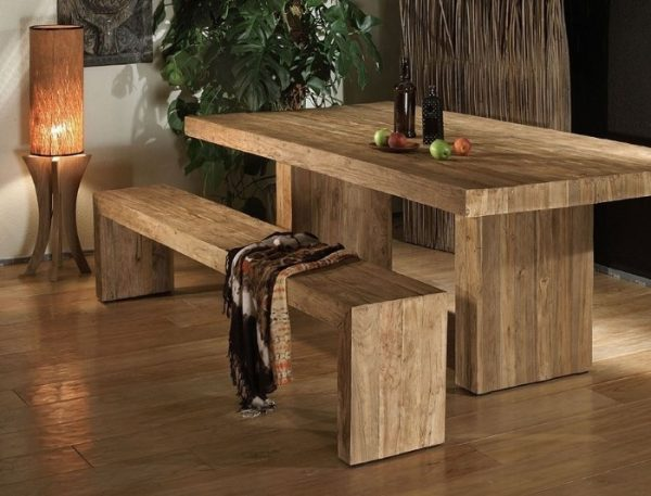 Производитель столов из дерева