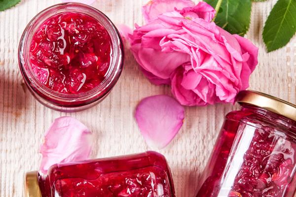 Розовое варенье и прочие продукты для здорового питания