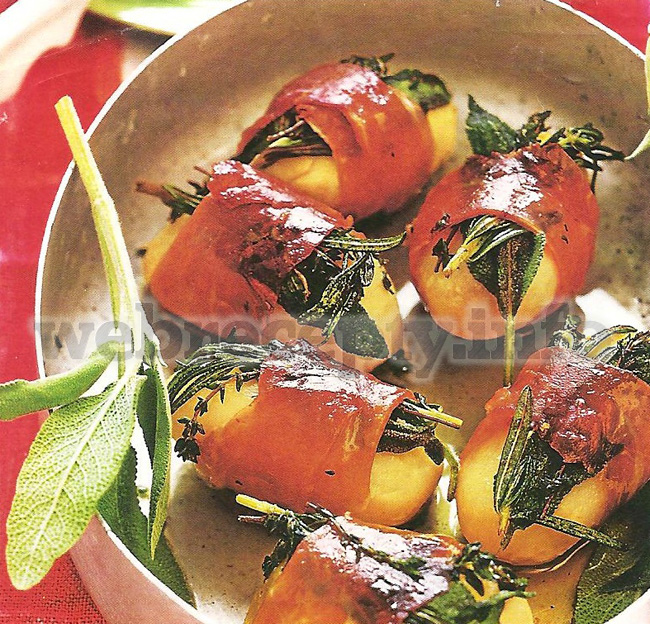 Картофель в обертке из окорока