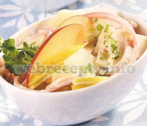 Картофельный салат с фруктами и ветчиной