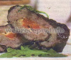 Мясной рулет в виноградных листьях