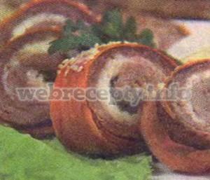 Телятина с сыром в морковных слайсах