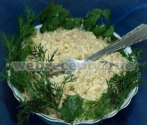 Закуска из трески, лука и сыра